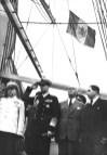 1946 regele Mihai alături de Petru Groza şi Guţă Tătărescu, purtând în piept ordinul Pobeda conferit de Stalin