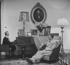 Elena Lupescu și regele Carol al II-lea la Estoril