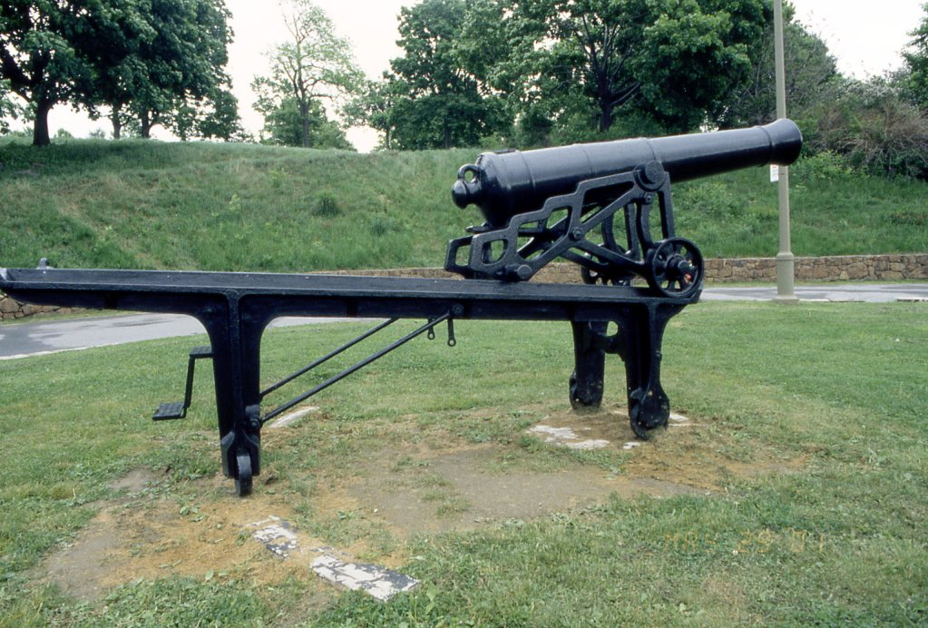 A typical iron traversing platform of the type used on the Gosport ramparts.