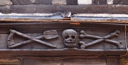 Bones, Crosses, Spades & Skull