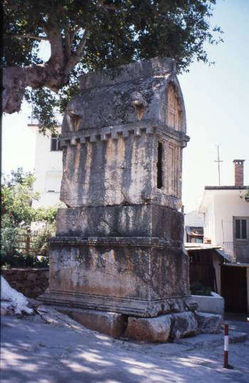 Kas tomb
