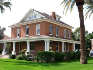 Colonial Revival-style Thompson House Roosevelt Historic