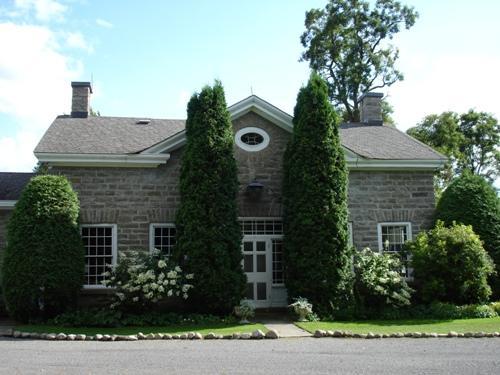 Front view of Burritt House