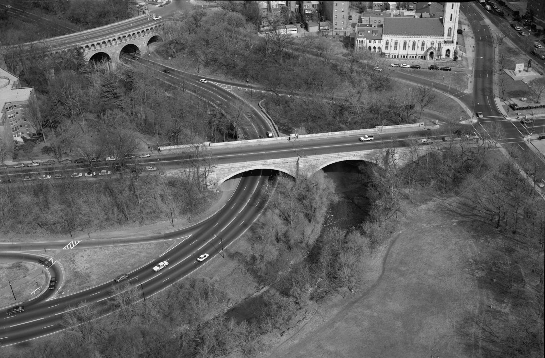 Aerial view of Rock Creek and Potomac Parkway, 1993, Washington, DC. Jack Boucher, Historic American Engineering Record (HAER) of the National Park Service