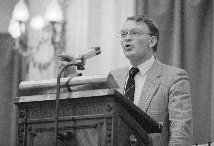 Hans Janmaat in de Tweede Kamer (cc - NA - Anefo)