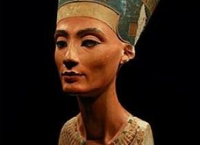 Het beroemde beeld van Nefertiti