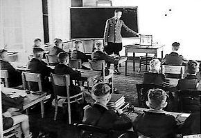 Reichsschule in Valkenburg (Afb: Nationaal Archief)