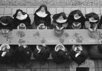 De boontjesdoppende zusters