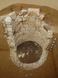Romeinse mergelstenen waterput (Foto: VIOE)