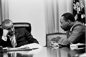 Martin Luther King in gesprek met Lyndon Johnson (1966)