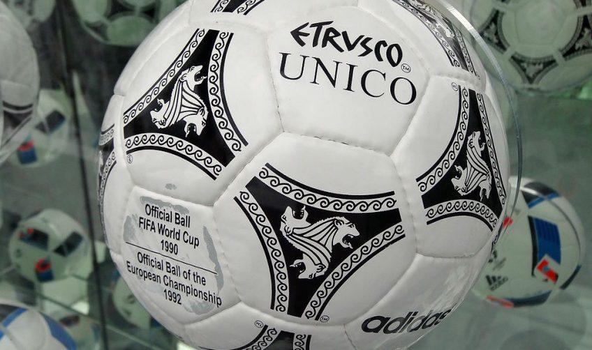 Bal die tijdens het door Denemarken gewonnen EK van 1992 gebruikt werd - cc
