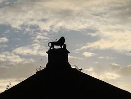 Het skelet werd gevonden in de buurt van het monument De Leeuw van Waterloo