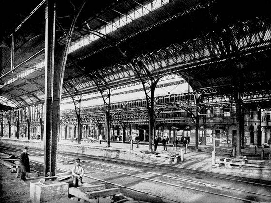 De perronkappen in 1894 - Foto: Retours