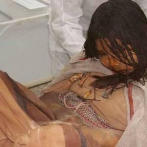 Inca's drogeerden kinderen voordat ze geofferd werden