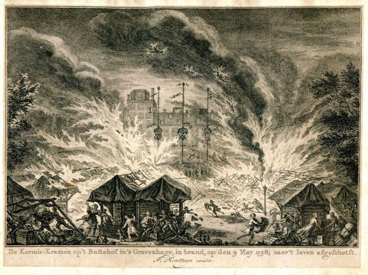 Brandende kermiskramen in Den Haag, 1758 - Afb: Brandweermuseum Wassenaar
