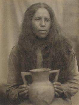Foto die Doris Ulmann in 1929 maakte van een Cherokee-indiaan  (Getty Museum)