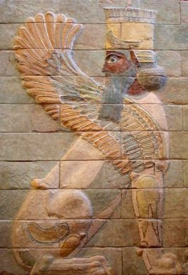 Gevleugelde sfinx uit het paleis van Darius de Grote in Susa. Te zien in het Louvre.