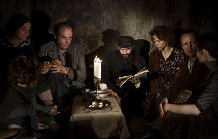 Still uit de film 'In Darkness'