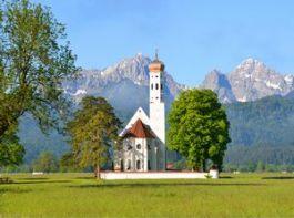 Kerkje in Beieren - Foto: stock.xchng