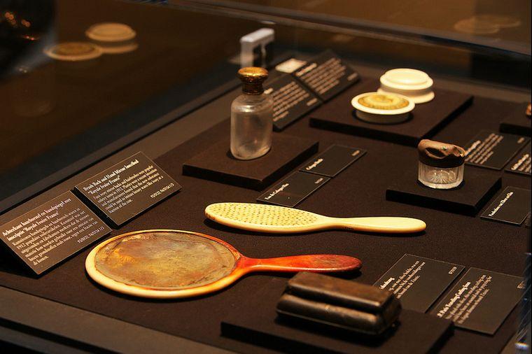 Spullen die uit het wrak van de Titanic zijn opgedoken - Foto: Amsterdam Expo