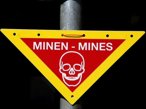 Waarschuwing voor mijnen - Foto: CC