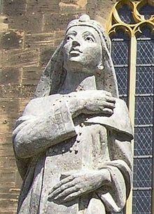 De Byzantijnse prinses Theophanu (ca. 960-991) - Beeld op een kerk in Eschwege, Hessen - Foto: CC