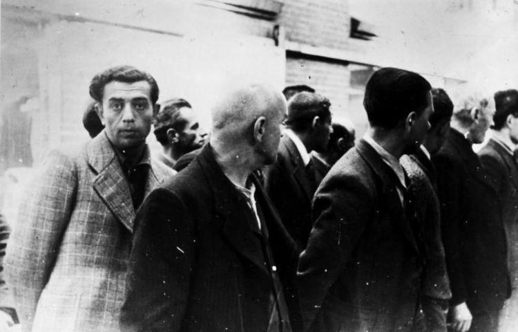 Geëmigreerde Duitse joden worden in Amsterdam opgepakt, juni 1940 - Bundesarchiv