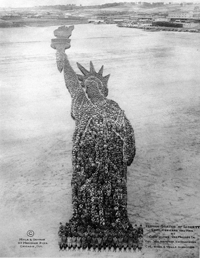Human Statue of Liberty - Arthur Mole