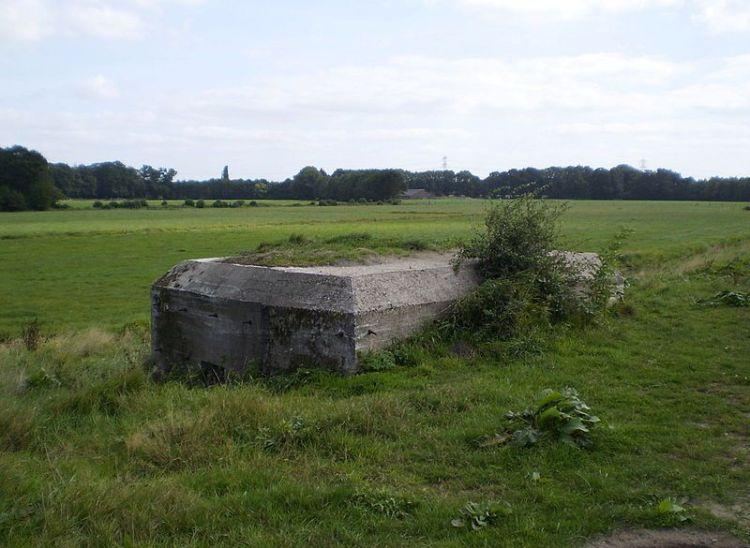 Kazemat van de Grebbelinie aan de Eem bij Hoogland