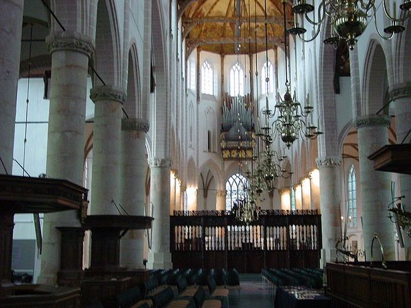 Grote of St. Vituskerk in Naarden (CC)