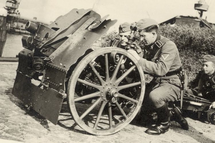 Leichte Infanteriegeschutz IG.18 (foto en toelichting: zuidfront-holland1940)