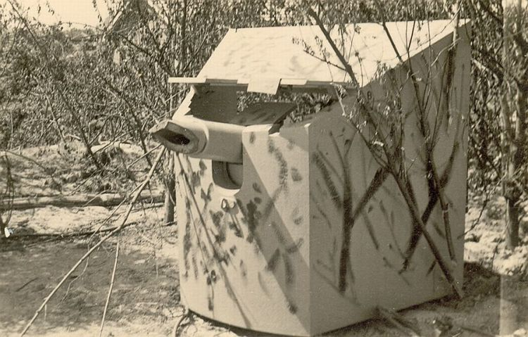 De 'laatste kogel' werd gebruikt om dit rivierbatterij-kanon onklaar te maken (foto en uitleg: grebbeberg.nl)
