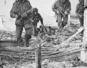 Britse paratroopers bij Oosterbeek