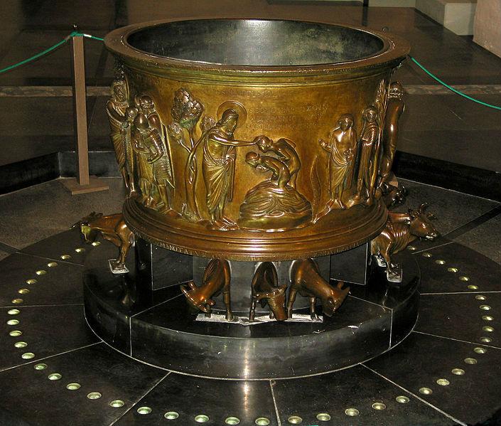 Doopvont van Reinier van Hoei in de Sint-Bartholomeüskerk te Luik (cc - Marie Claire)