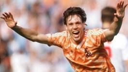 Marco van Basten in 1988 (UEFA)