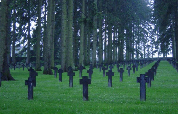 Duitse militaire begraafplaats in Lotharingen - cc