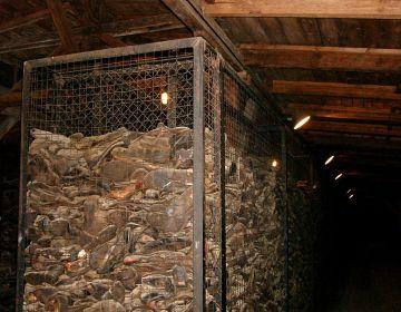 Schoenen van gevangenen van concentratiekamp Majdanek - cc