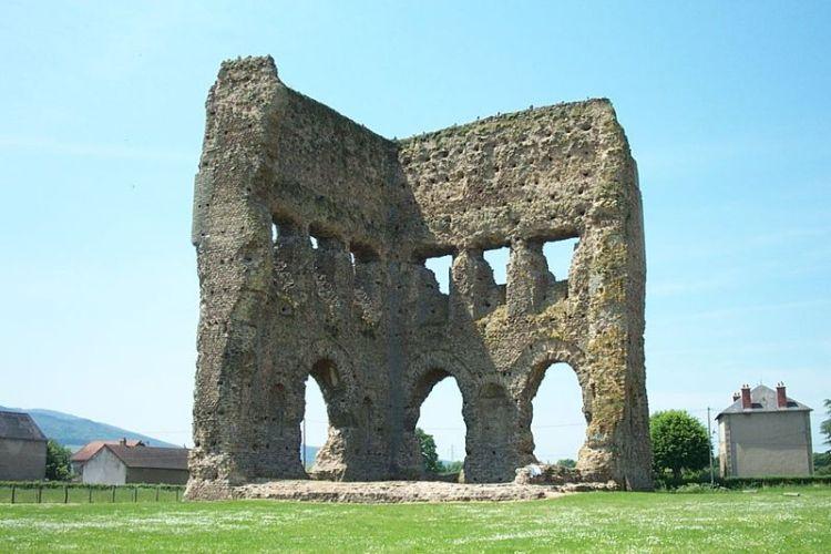 Tempel van Janus in Autun. - cc