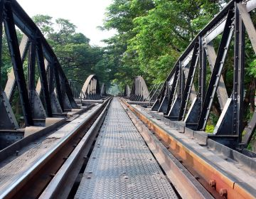 Birmaspoorweg (cc - Niels Mickers)