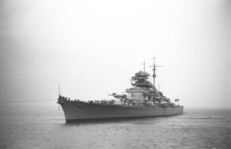 Slagschip Bismarck in 1940 (cc - Bundesarchiv)