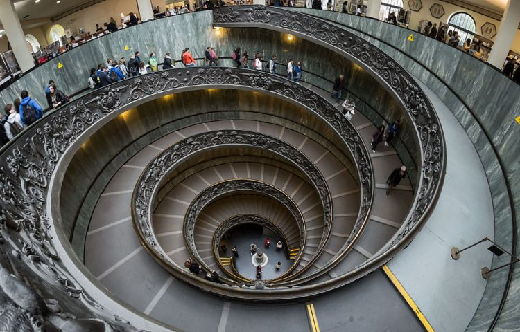 Vaticaase Musea, trap (cc - Colin)