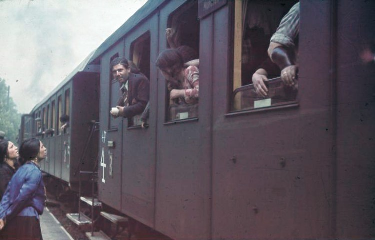 Deportatie van Roma, mei 1940 (cc - Bundesarchiv)