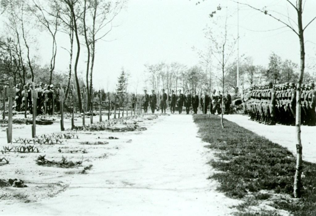 Ehrenfriedhof Zypendaal, Arnhem. Gelders Archief, nr. 1560-4696. Foto: onbekend   1944