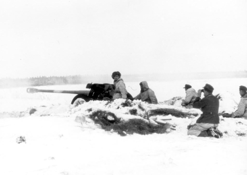 In de sneeuw met 7,5 cm Pak in Rusland. Bundesarchiv, nr. 101I-690-0201-28. Foto: Kripgans |januari-februari 1944