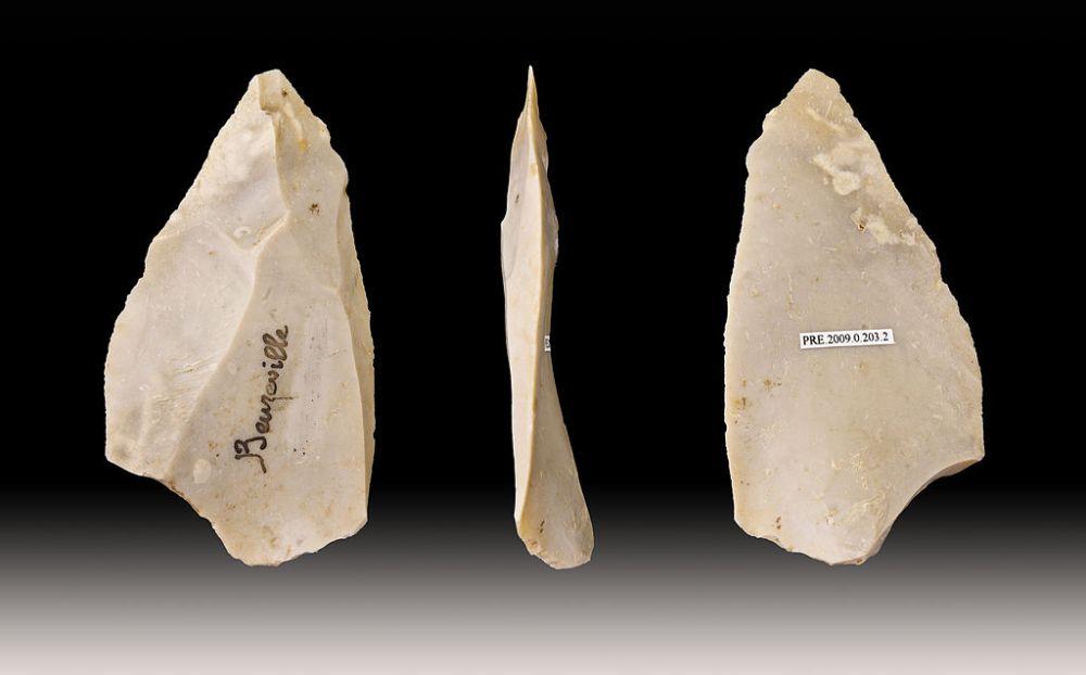 Neanderthaalse Levallois&Moustérien periode werktuigen (foto: wiki-Toulouse Museum, upload van Didier Descouens)