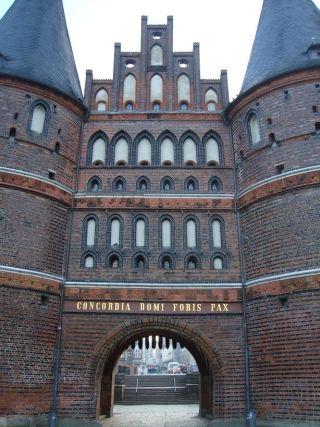 De Holstenpoort in Lübeck (c E. Ruis)