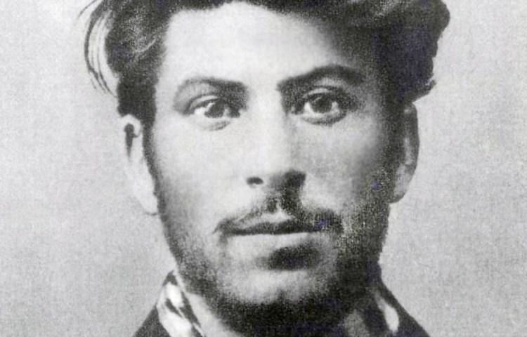Josef Stalin in zijn jonge jaren, 1902. Bron: Wikimedia