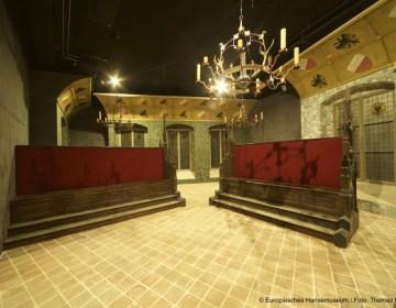 De Hanzedagzaal in het Museum, waar een Hanzedag anno 1518 wordt verbeeld (Foto Hansemuseum, Lübeck)