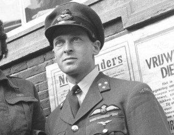 Erik Hazelhoff Roelfzemam, beter bekend als de 'Soldaat van Oranje' (Nationaal Archief)