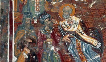 Verpletter de ketter: Nikolaas slaat een andersdenkende tegen de vlakte (Soumela-klooster, Turkije)